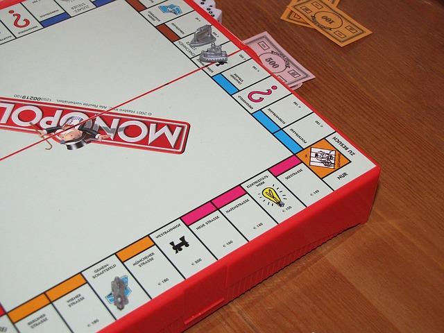 monopoly-1356307_640 (2)
